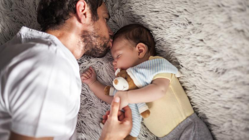 Bawimy się w… jak pomóc maleństwu wyciszyć się przed snem?