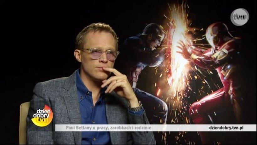 Paul Bettany i jego fioletowy bohater