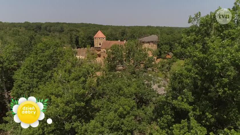 Średniowieczny Zamek Guédelon